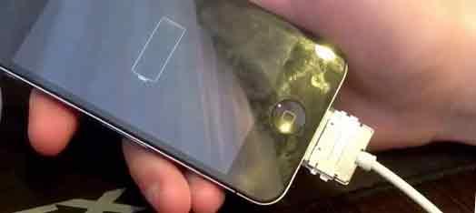 не включается экран на айфоне 4s